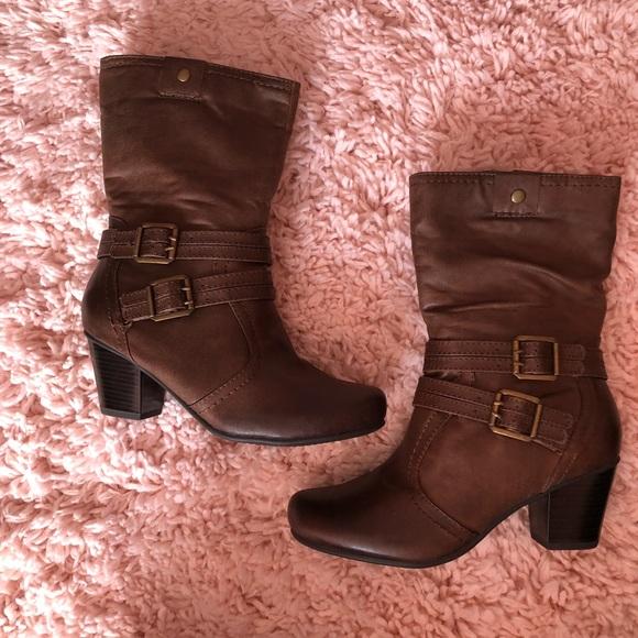 ba7a6bb2324 🎉🎉HOST PiCK TWICE 🎉🎉NIB Wear Ever Hilary Boots